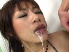 Hot Asian babe double oral intercourse